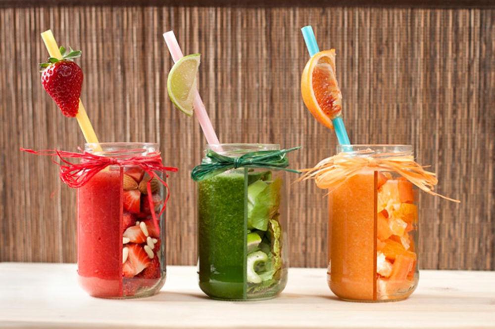 Vitaminska bomba: Recept za sok koji baca na kolena sve sezonske bolesti!