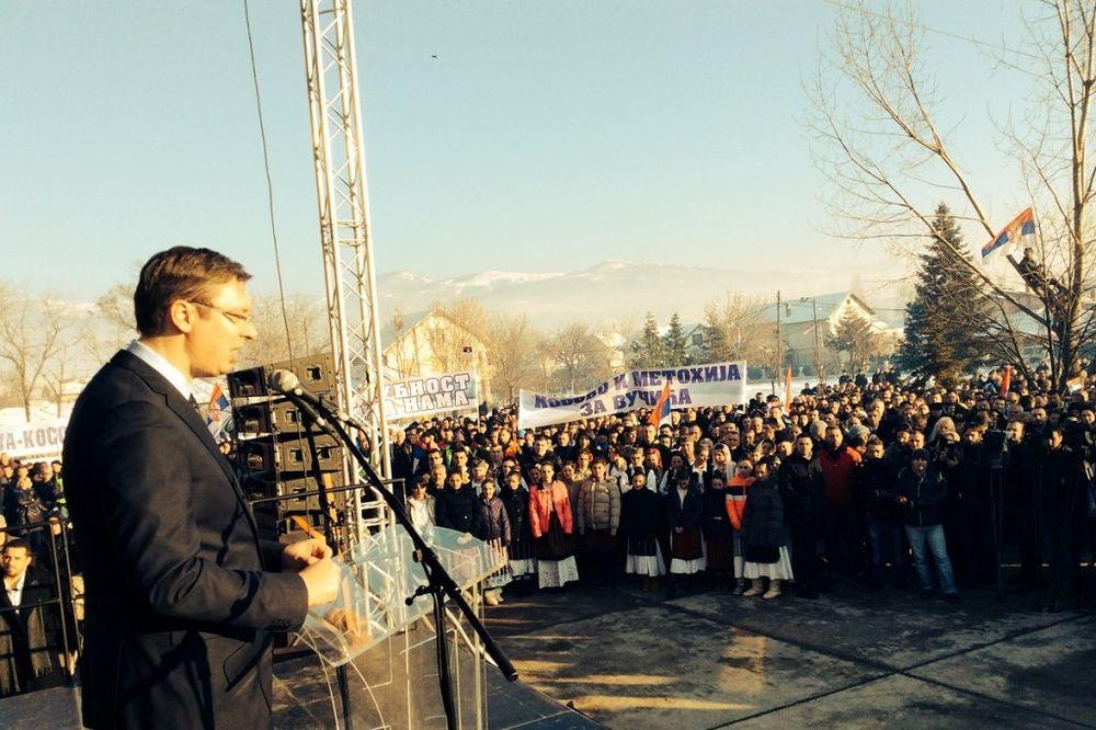 NAPAD NA KOSOVU - ALBANCI ŠUTIRALI VUČIĆEV AUTO Vučić: Kosovo je Srbija!
