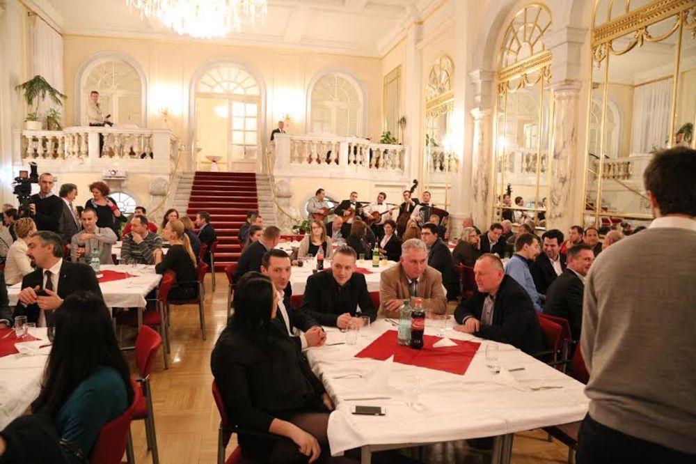 NE ZABORAVLJAJU SVOJE KORENE: Srbi u Beču proslavili Pravoslavnu novu godinu!