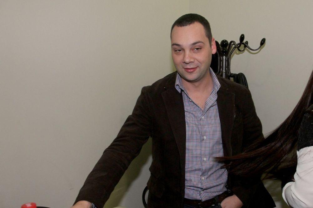 (FOTO) KAKVU ŽENU DARKO IMA: Filipović sa ponosom pokazao guzu svoje supruge