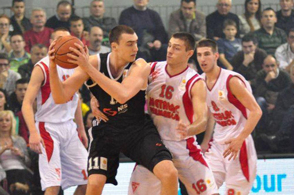 DESETA POBEDA CRNO-BELIH: Partizan ubedljiv u derbiju protiv Metalca