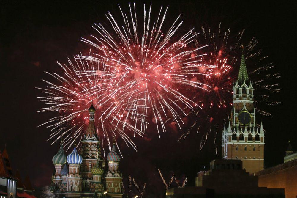 RUSI PRELOMILI: Ubuduće manje praznovanja, loše utiče i na novčanik i na zdravlje