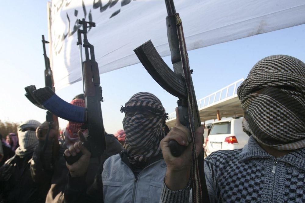 SVE SU BLIŽI: ISIL zauzeo teritorije na samo 20 km od Turske, koriste i hemijsko oružje