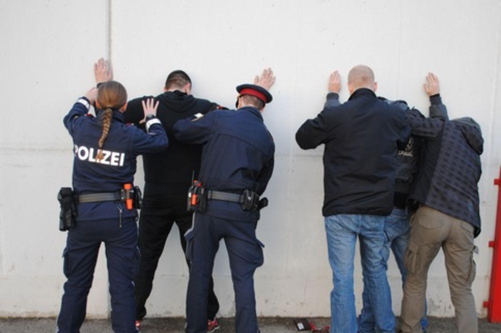 SUMNJIVA LICA: Zbog dva Srbina digla se cela bečka policija!