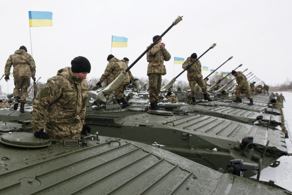 ODREĐENI ZA SMRT: Ukrajinci u zavarenim u miniranim tenkovima, prepušteni napadu prorusa!