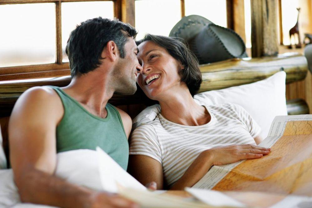 Šta ženama prolazi kroz glavu kada prvi put ugledaju penis novog partnera?