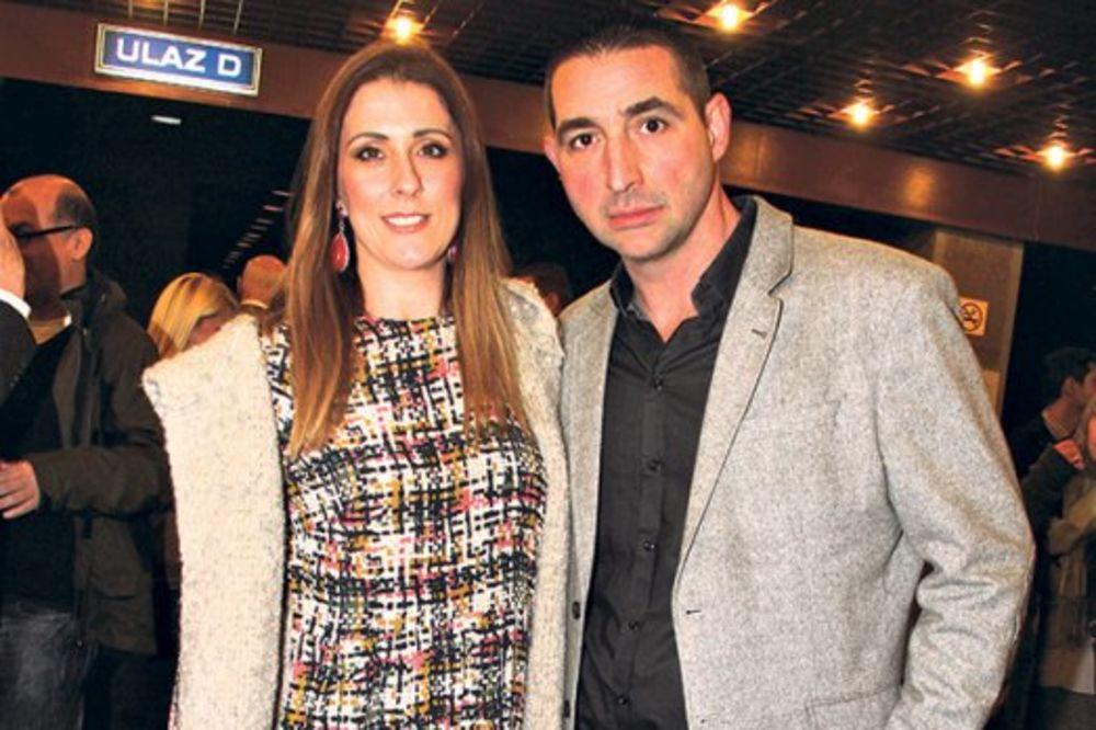Izlazak... Oliver Dulić sa suprugom