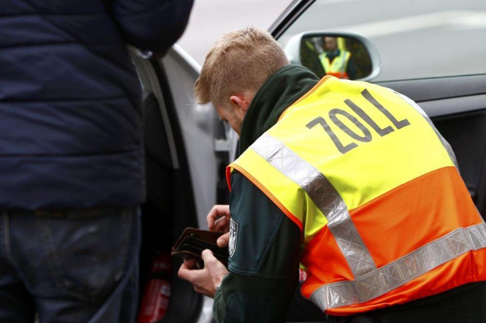 PALI NA CARINI: Austrijanci 70 kilograma droge prijavili kao sveže povrće!