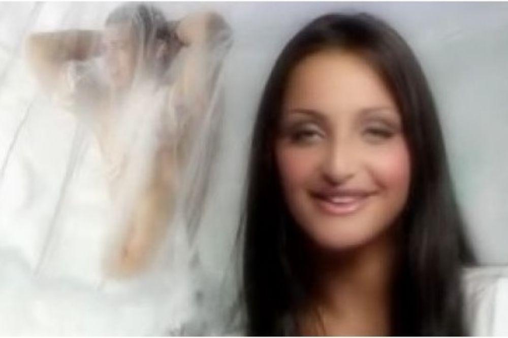 (VIDEO) DANAS LEPOTICA: Prepoznajete li koja naša pevačica je ovako izgledala na početku karijere
