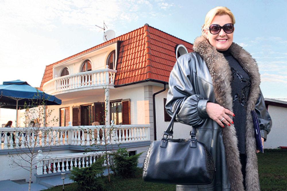 PEVAČI U PORESKOJ Snežana Đurišić: Od imovine imam kuću, koju sam kupila pre 15 godina