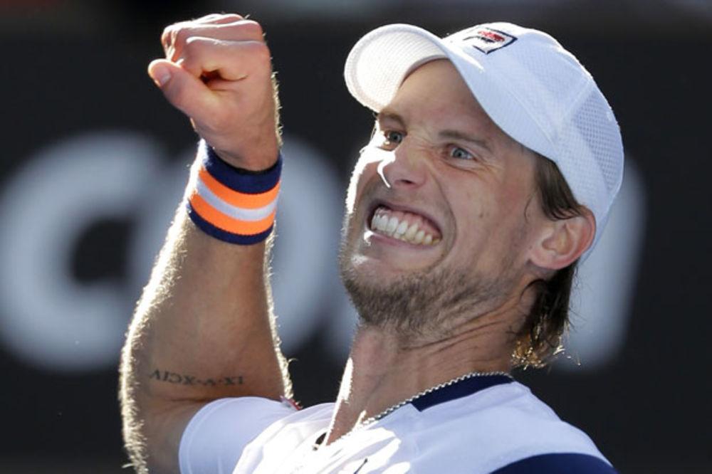(VIDEO) NESTVARAN POEN: Pogledajte kako je Sepi matirao Federera