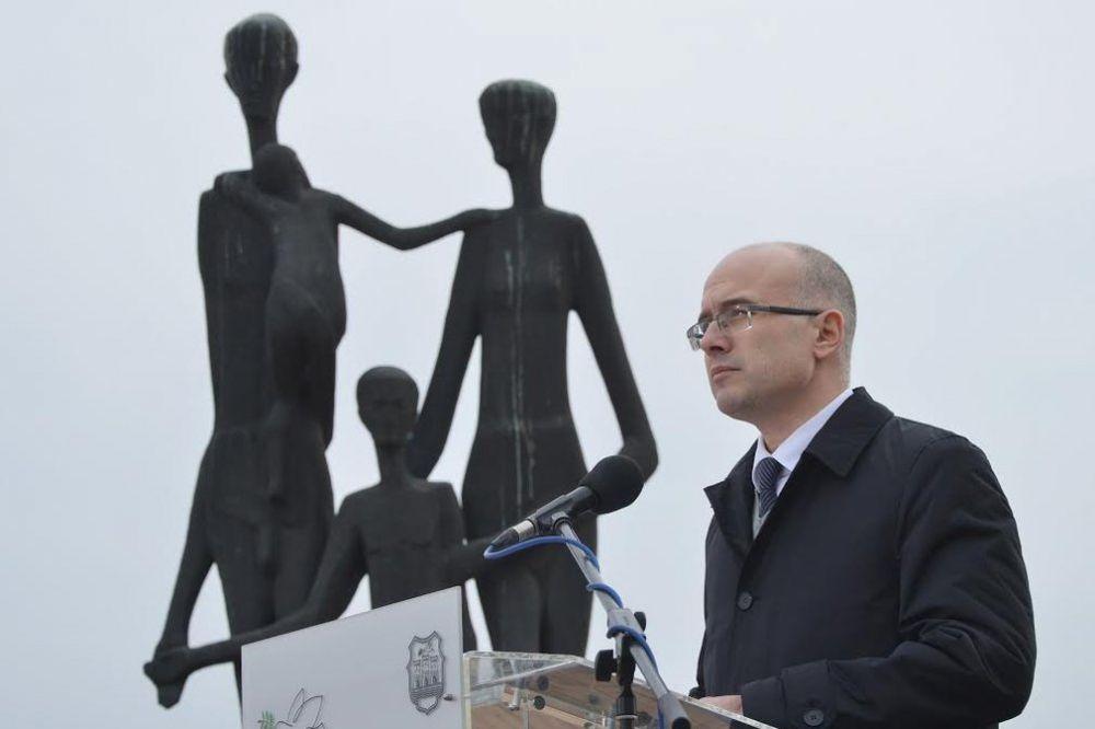 MINUT ĆUTANJA: Obeležena 73. godišnjica Novosadske racije