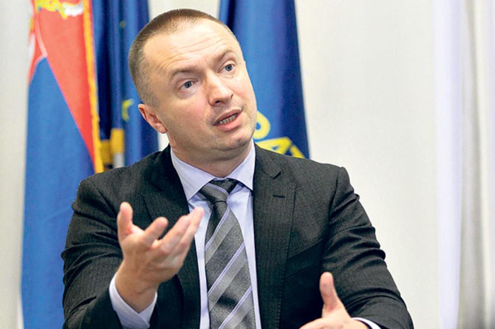 SNS: Pajtiću, podnesi ostavku ti si bruka za Vojvodinu!