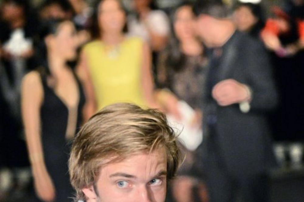 KRALJ JUTJUBA: Ovaj momak je za godinu dana zaradio 3 i po miliona evra!