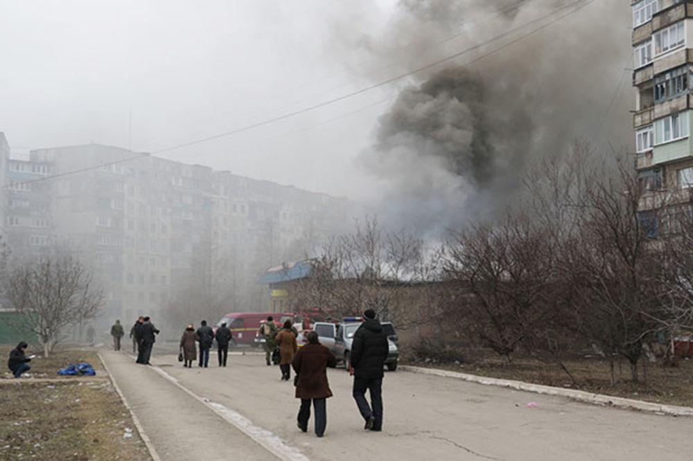 (VIDEO) OBNOVLJENE BORBE: Vojska DNR ušla u predgrađe Marijupolja