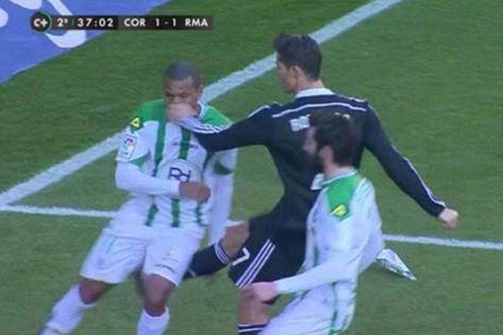 (VIDEO) RAZAPET IZMEĐU IRINE I JARE: Ronaldo se zbog ljubavnih jada bije sa protivnicima
