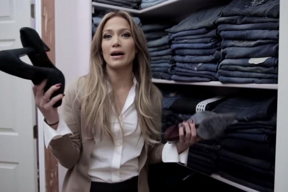 (VIDEO) SAN SVAKE ŽENE: Dženifer Lopez otvorila vrata svog ogromnog ormara!