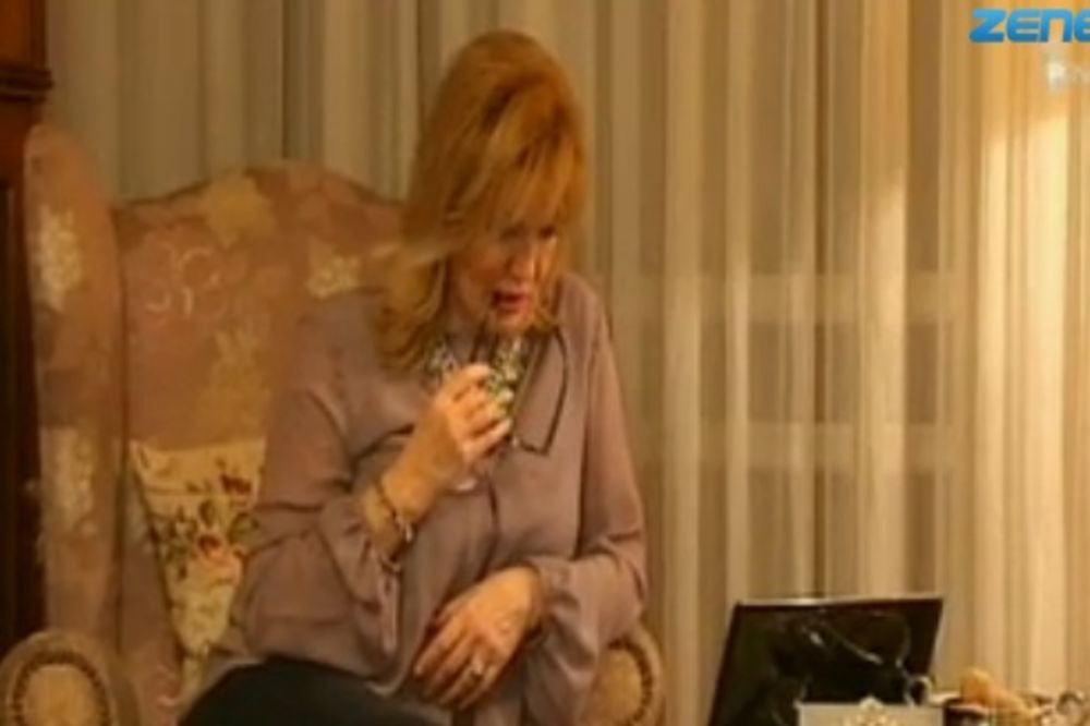 SUZANA MANČIĆ OPLELA PO SEKI: Izgleda kao seljančica!