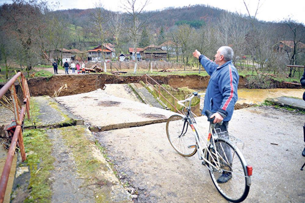Od jutros pada sneg, ali opada nivo reka na jugu Srbije