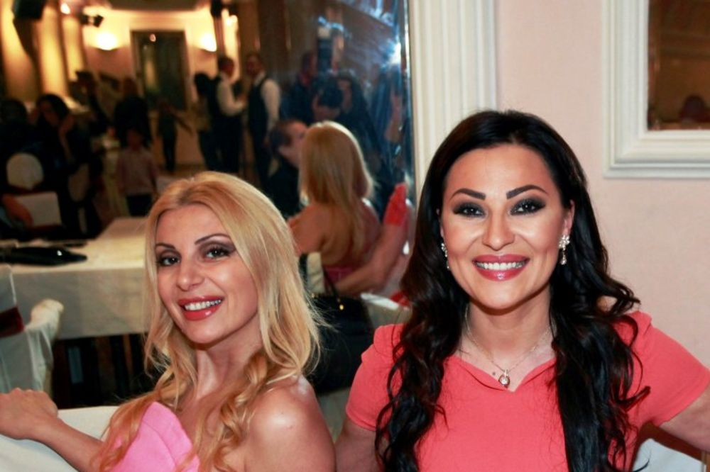 SELI SE IZ LJUTICE BOGDANA: Ceca sestri Lidiji kupuje stan u centru Beograda