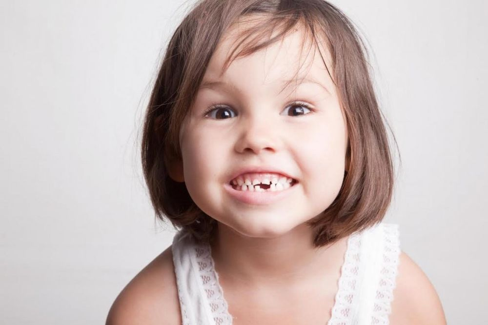 Saveti stomatologa: Kako se vade mlečni zubi?