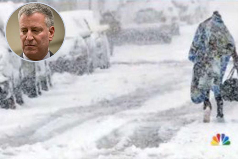 (VIDEO) GRADONAČELNIK NJUJORKA UPOZORAVA: Stiže nam najjača snežna oluja u istoriji!