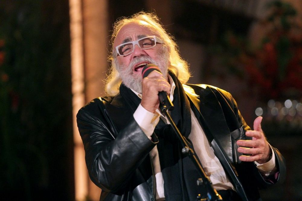 OTIŠLA LEGENDA: Preminuo grčki pevač Demis Rusos
