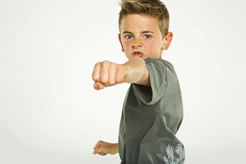 Nasilno ponašanje mališana: Ne osuđujte dete, pomozite mu!