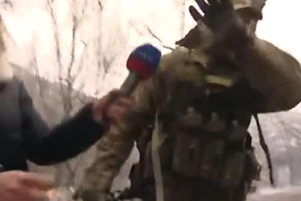 (VIDEO) NA ČISTOM ENGLESKOM: Out of my face, odrezao vojnik u ukrajinskoj uniformi novinarki