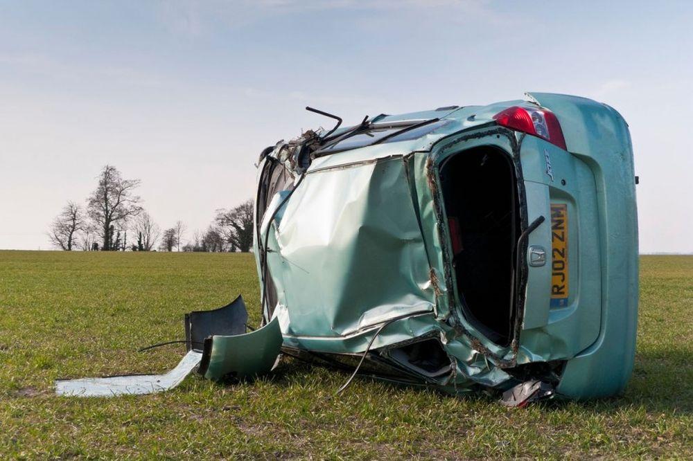 ISTINITA PRIČA KOJA JE ŠOKIRALA SVET: 4 mladića poginula u smrskanom autu, a kada su otvorili gepek