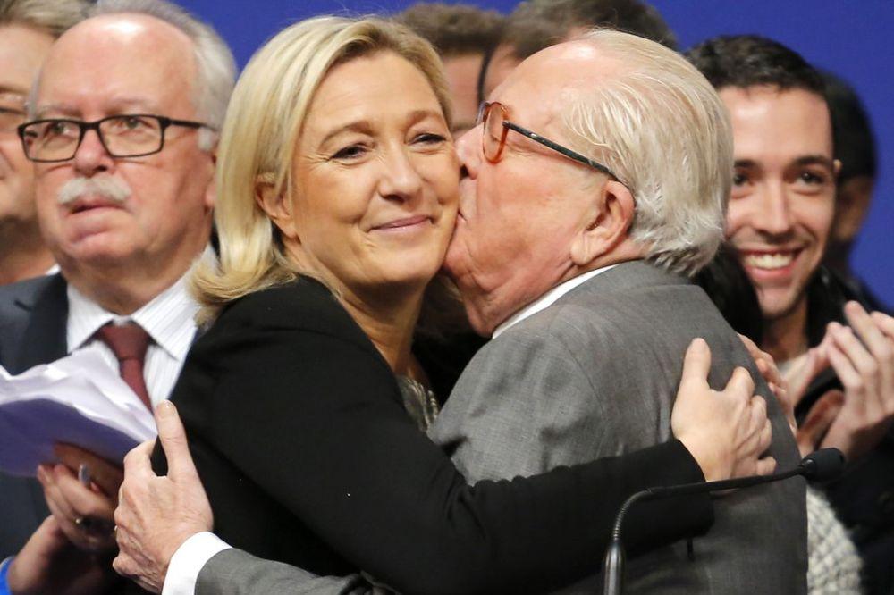 GORI STAN FRANCUSKOG DESNIČARA: Žan-Mari le Pen upucan, dom mu zapaljen