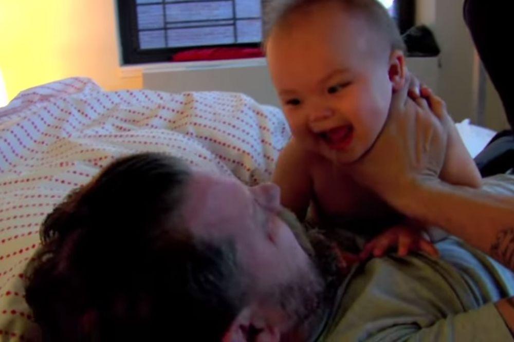 (VIDEO) HIT NA INTERNETU: Volite da se bijete sa svojom bebom, evo kako da s njom izađete na kraj!