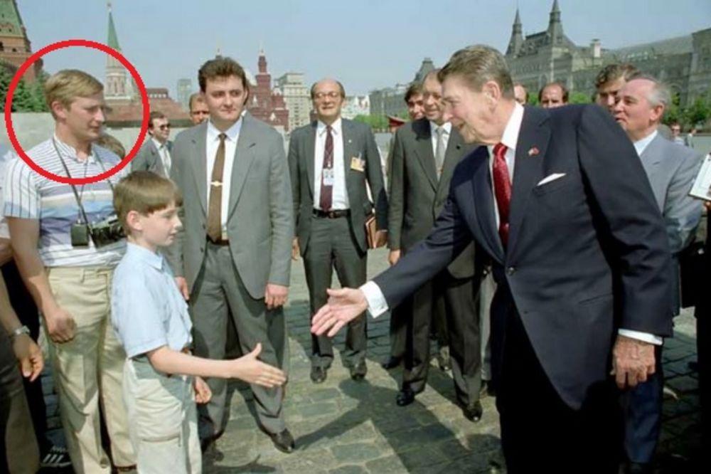 KGB PODMETNUO PUTINA DA ISPROVOCIRA REGANA: Ova fotografija već 27 godina zbunjuje ceo svet!