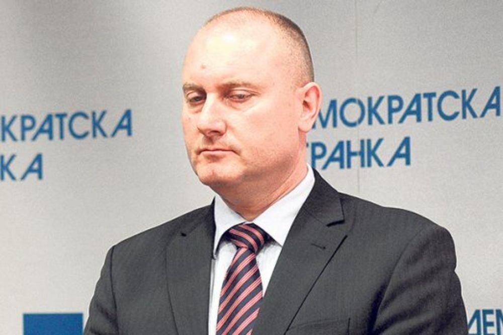 HAPŠENJE VREBALOVA: Čovek Bojana Pajtića priveden zbog mućki