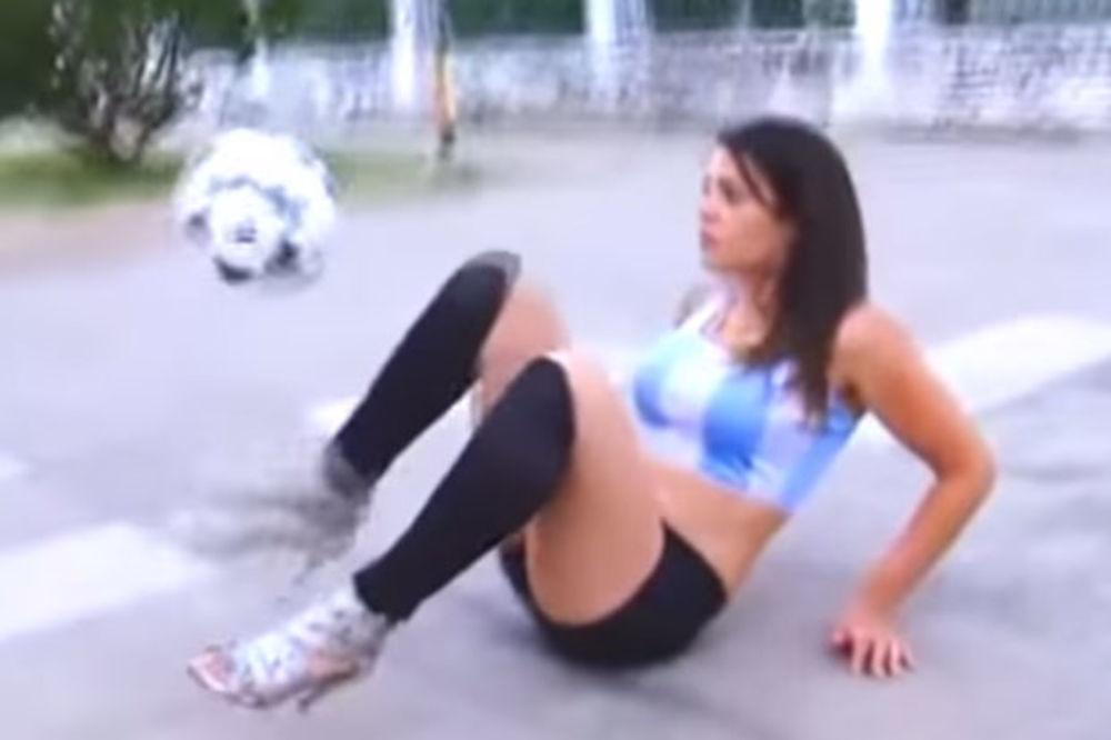 (VIDEO) MESI JOJ NIJE RAVAN: Fudbalske majstorije seksi Argentinke u štiklama!