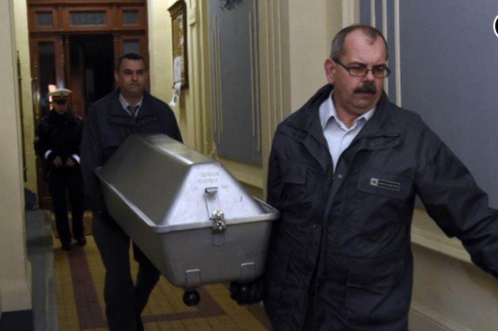 ŠOKANTNO:Turčin (35) zadavljen kuhinskom krpom tokom sado-mazo seksa!