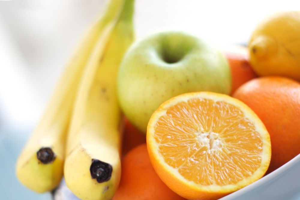 VODITE RAČUNA ŠTA JEDETE: Ovo voće i povrće ima najviše otrova u sebi