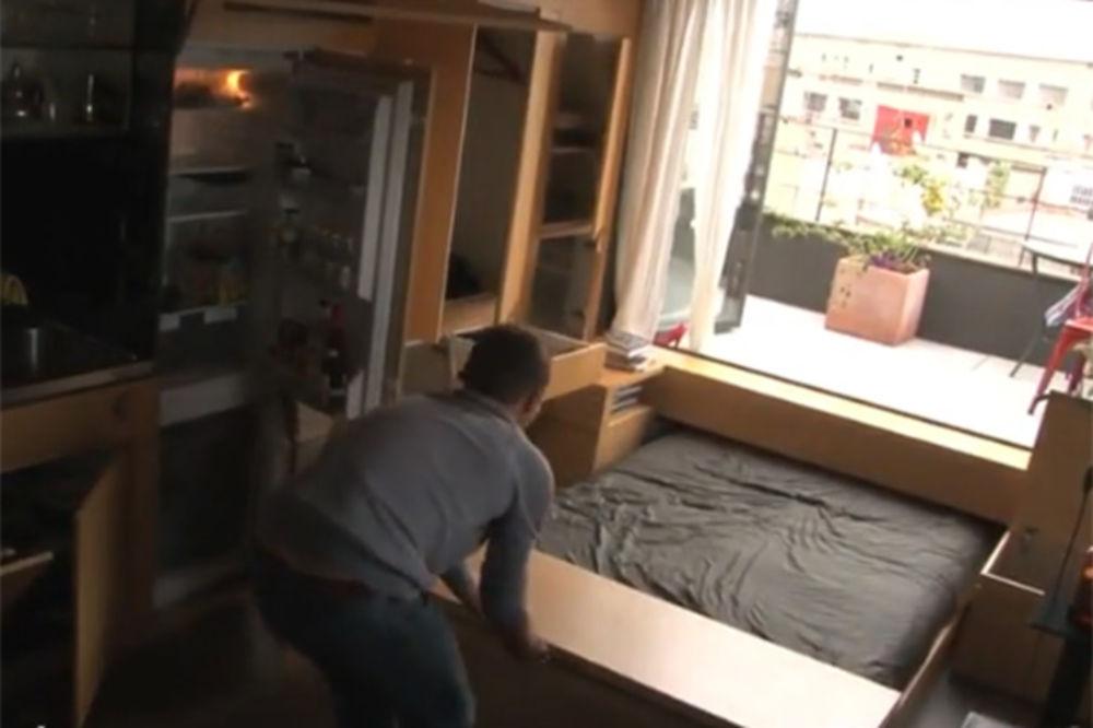 (VIDEO) Izgleda kao obična soba, ali kada rukom dodirne zid, ostaćete bez teksta!