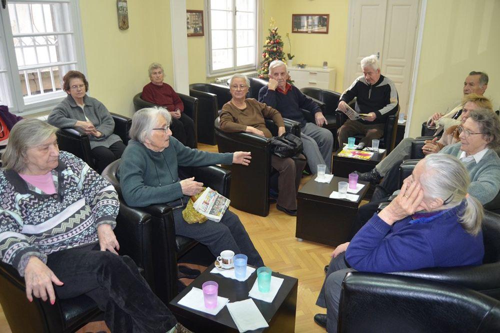 U SRBIJI 17 ODSTO STARIH OSOBA: Sem fizičkog, neophodno su psihološki treninzi za starije