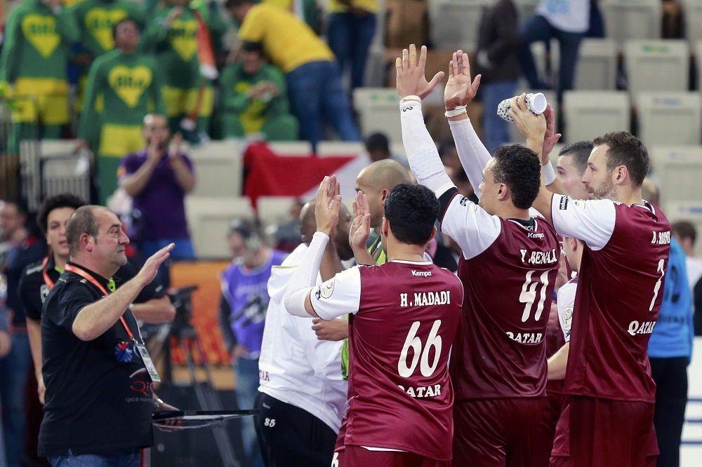 (VIDEO) DA TI PAMET STANE: Crnogorci koji igraju za Katar dobili po 2 miliona evra, stan i maserati