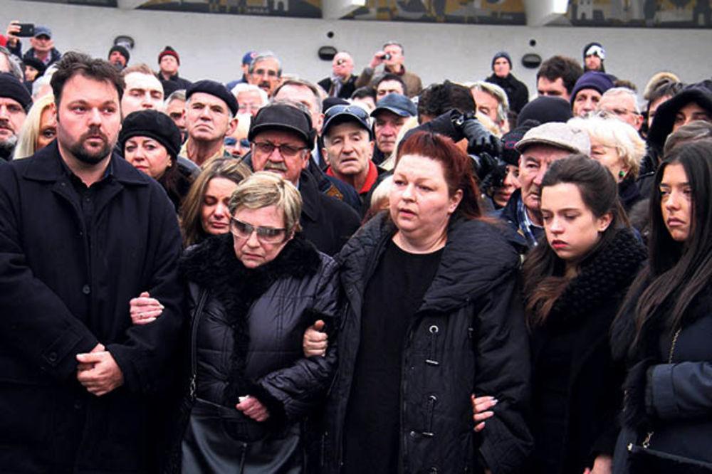 ZBOGOM, MONTENO: Kemina žena pod sedativima jedva izdržala sahranu