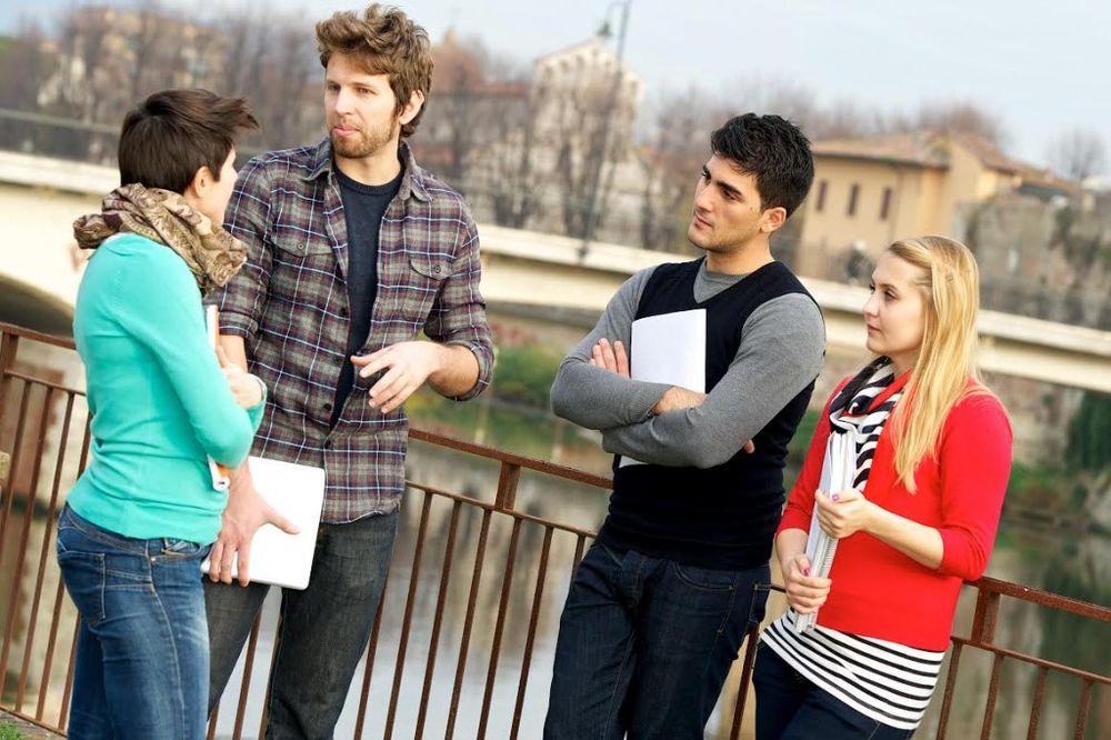 Zašto mladi u Srbiji upisuju fakultet?