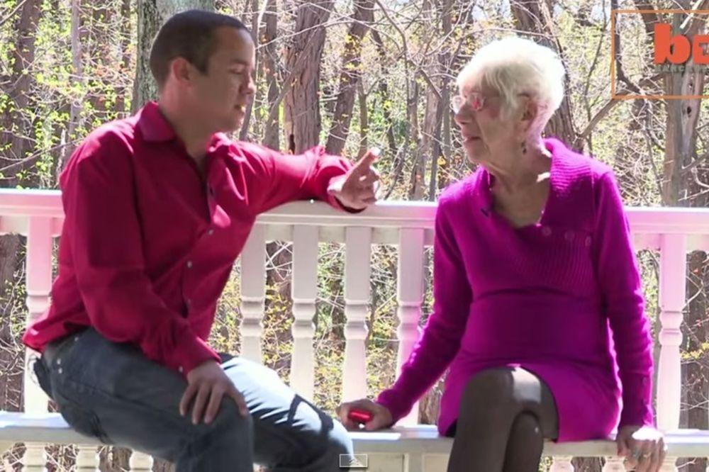 (VIDEO) KAJLI IMA 30, NJEGOVA DEVOJKA 91: Najviše me pale seda kosa i proteze!