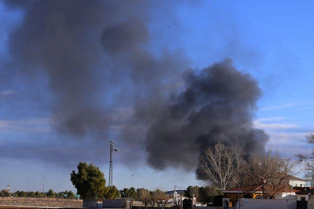 (VIDEO) ZAKAZALA TEHNIKA GRČKOG F-16: Avion NATO se srušio zbog kvara pri poletanju