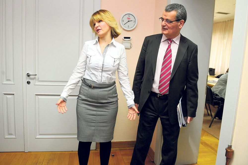 RAT U GLASNIKU Ljušić: Nikad Jeleni ne bih dao fotelju  Trivanka: Ti si isfrustriran čovek