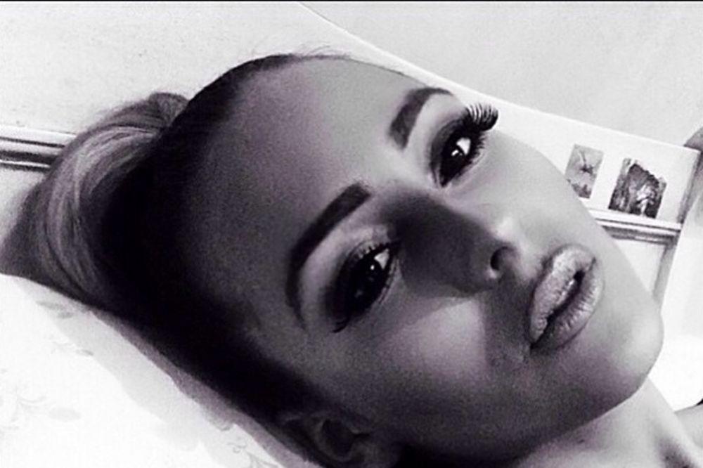 KRENULA MAMINIM STOPAMA: Ovako Cecina ćerka peva pesmu Selin Dion (VIDEO)