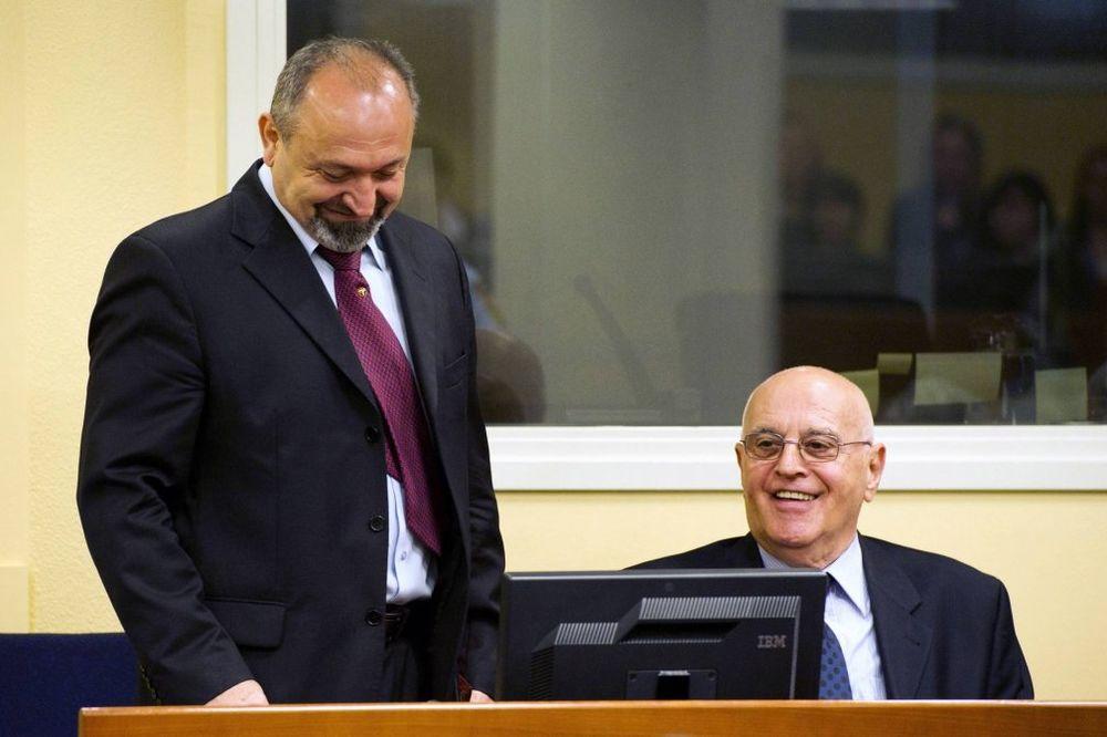 HAG PRESUDIO ZA SREBRENICU: Bezbednjacima VRS Beari i Popoviću doživotna