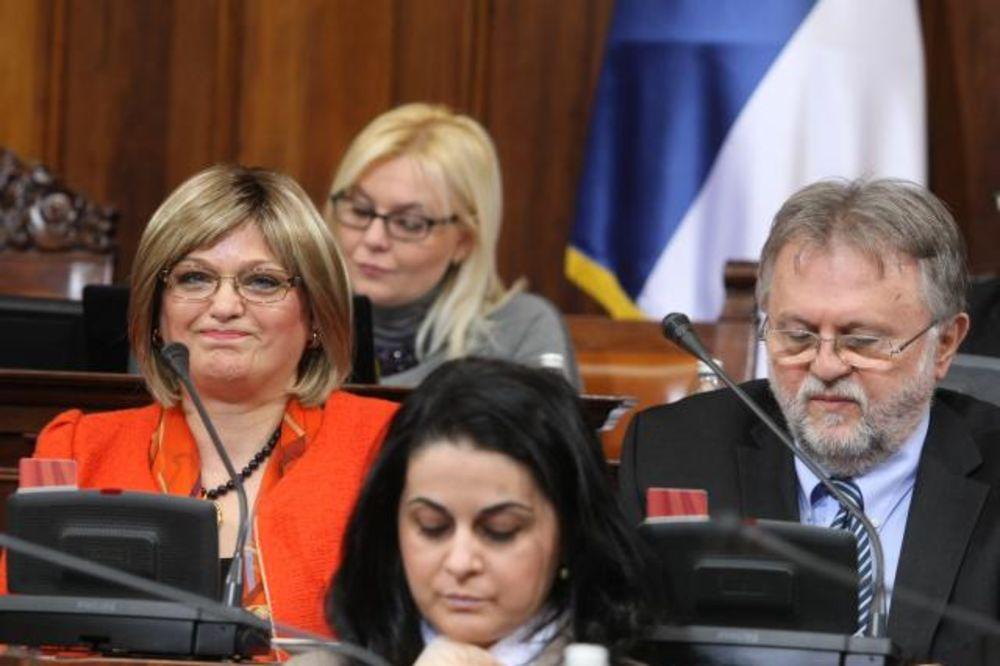 UVREĐENI MINISTAR NAPUSTIO SALU Gojkovićeva: Vujoviću, ne dobacuj poslanicima!