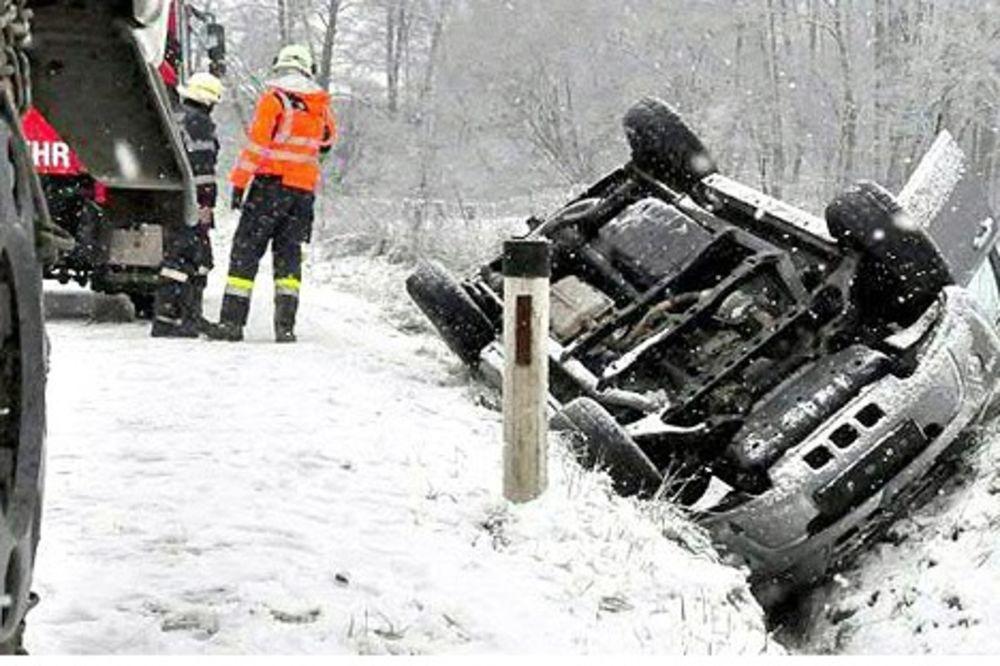 OPREZNO: Sneg napravio haos na putevima Austrije!