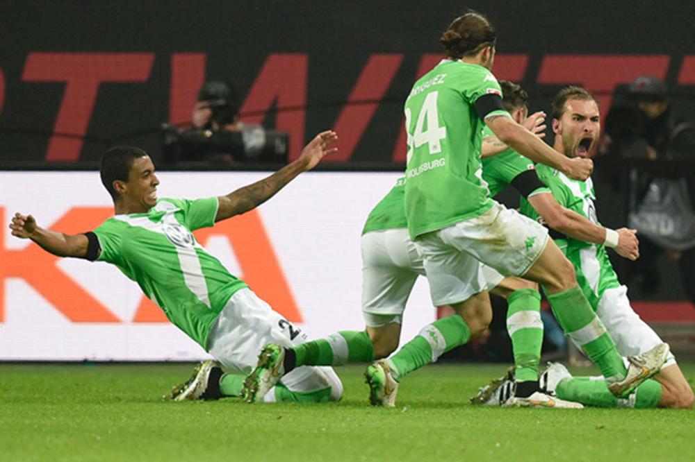 (VIDEO) IZBUŠILI NOJERA: Fudbaleri Volfsburga ponizili Bajern sa četiri postignuta gola